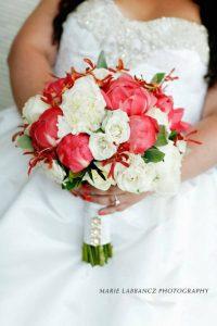 1011889 10151706586594736 1556519058 n 200x300 - Wedding Bouquet and Wedding Flower Trends